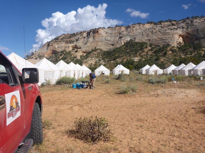 Truck und Zelte