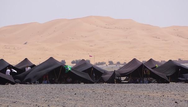 Zurück im großen Sandkasten - Erster Blick auf die Dünen - Marathon des Sables