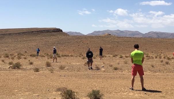 zurück im großen Sandkasten - Picknickpause - Marathon des Sables
