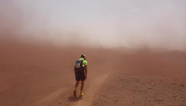 Zurück im großen Sandkasten - Windhose - Marathon des Sables