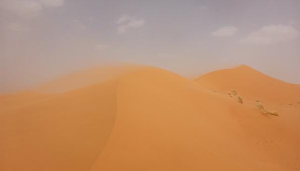 Zurück im großen Sandkasten - Wind in den Dünen - Marathon des Sables