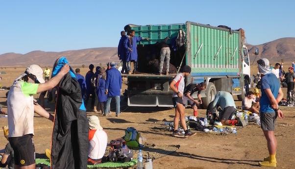 Zurück im großen Sandkasten - Abbau des Camps - Marathon des Sables