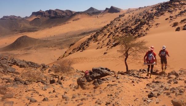 Traumhafter Downhill im Sand - Die lange Etappe beim Marathon des Sables