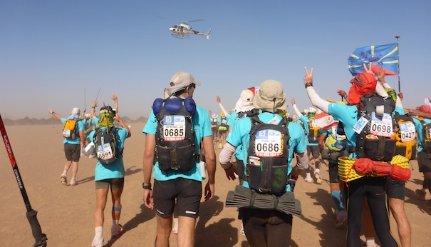 Die Unicef Etappe beim Marathon des Sables - zum letzten Mal Hubschrauber über uns